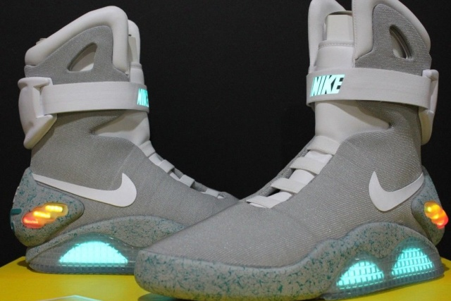 air-mag-trainers-640x0