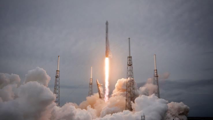 crs-3-falcon-9-liftoff